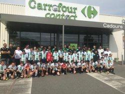 Les U11 et U13 avec Carrefour contact comme partenaire maillots! - CADOURS Olympique