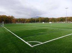 SIGNEZ LA PETITION EN LIGNE: Pour un terrain de football synthétique à Etouvie