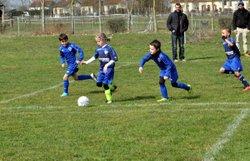 Les jeunes pousses U9 de Moulins, Gennetines, Bourbon l'Arch et de l'Etoile (club recevant) à l'oeuvre en ce samedi ensoleillé. - Etoile Moulins Yzeure Football