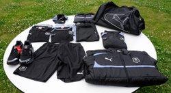 Destokage d'article de sport: survêtements , sacs de sport , vestes de coach ...