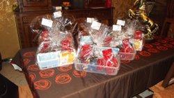 offrir des chocolats aux personnes de la résidence Louis MATHIS Décembre 2013 - Sporting Municipal de Petite-Synthe-Dunkerque