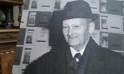 fondateur du club monsieur Louis lecomte préparation de la salle de l'exposition dirigeants et bénévoles - Union Sportive de Bouloire