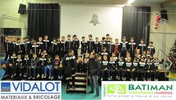 remise survêtements aux jeunes - sponsor Vidalot Batiman Montélimar -samedi 3 décembre 2016 - Union Sportive Vallée du Jabron
