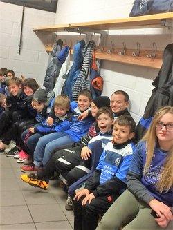 """18 Nov 2017 Entrée des joueurs du VFC et de Ouest Tourangeau N3 accompagnés par l'Ecole de Foot de """"Coeur en Vallées""""... - VIERZON FOOTBALL CLUB"""