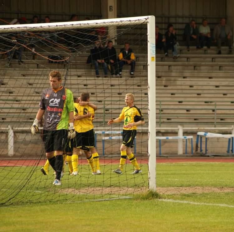 Actualit cfa 2 douai arras 3 0 club football for Bureau vallee arras