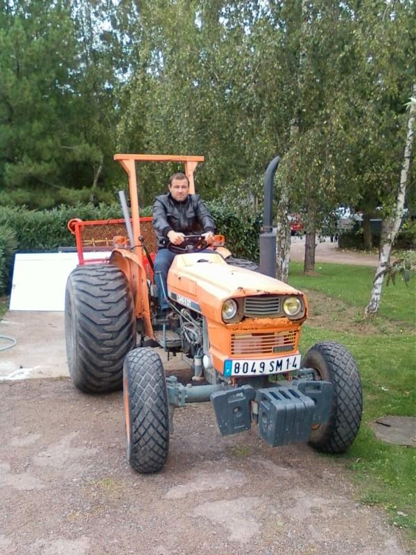 ludo sur le tracteur