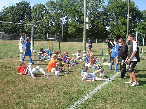 Actualit stage ete 2013 dernier jour club football for Piscine carpiquet